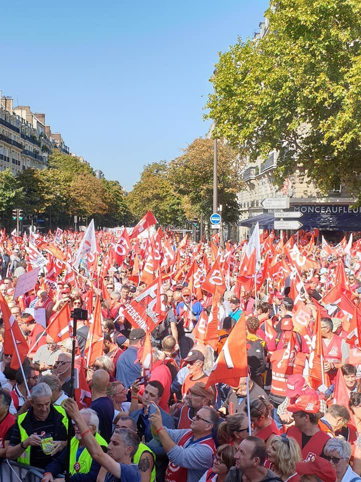 Des milliers de personnes dans le défilé parisien de FO pour protester contre la réforme des retraites
