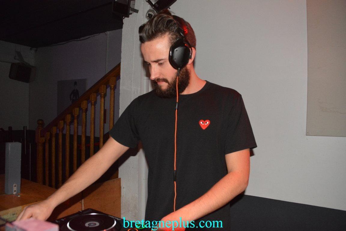 DJ NOYZ à la discothèque La Scala