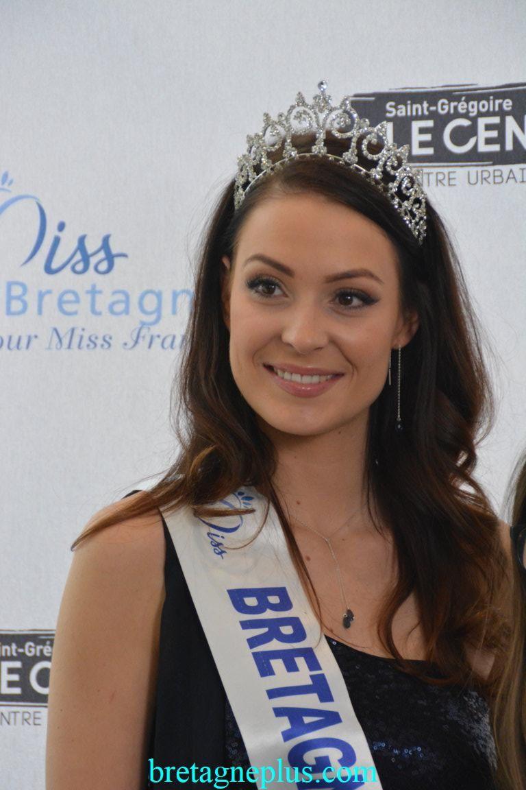Miss France 2018 en dédicaces au Leclerc Saint-Grégoire