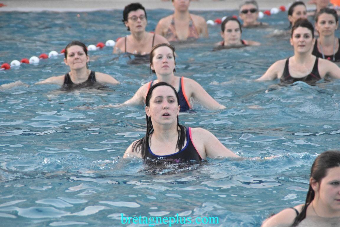 Seconde édition de l' Aquagym géant à la piscine de Bréquigny