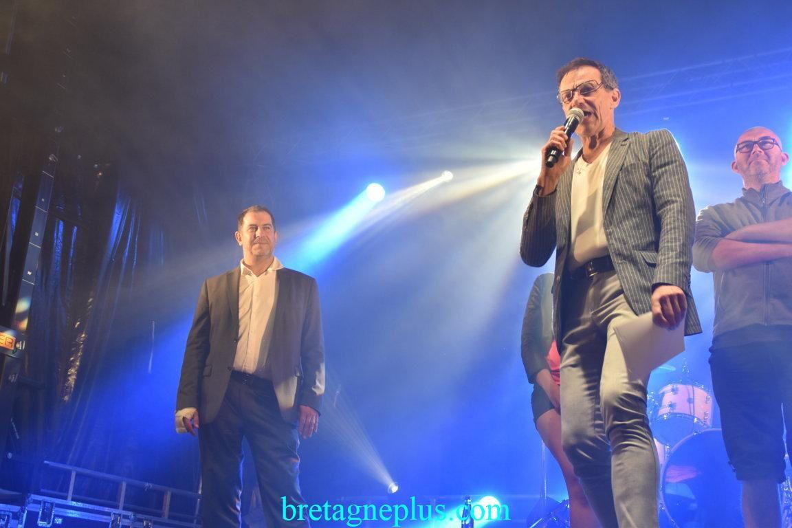 Emile et Image en concert au Casino de Fréhel