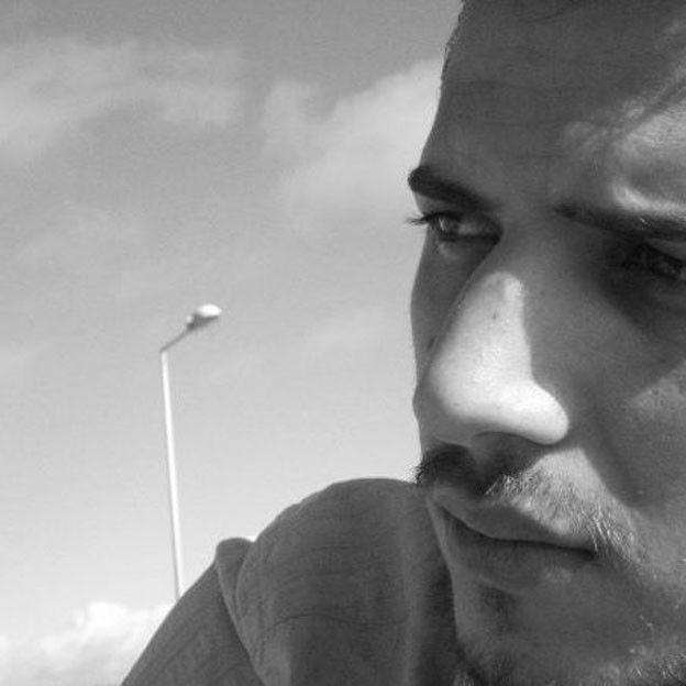 Umut Sakaroğlu était employé des Douanes. Il a été blessé lors des fusillades, puis a été tué par l'explosion.