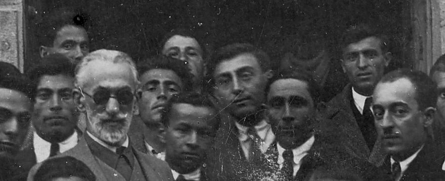 Instituteurs posant devant leur école, Erzurum 1934 (collection E.C.)