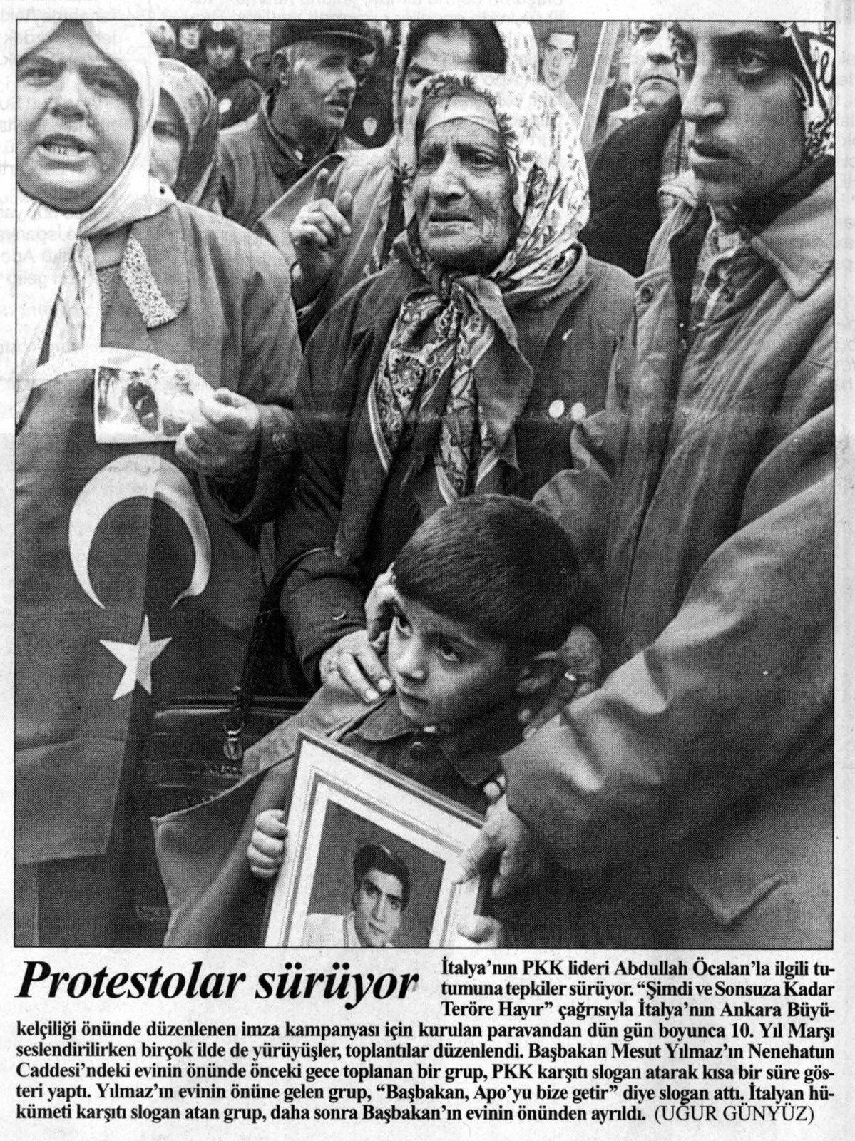 Photo Ugur Günyüz, Cumhuriyet, 21 novembre 1998