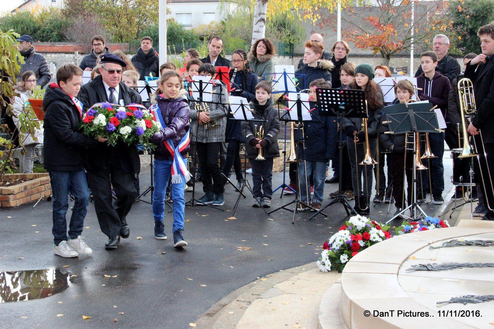 Joinville-le-Pont : Les images de l'hommage joinvillais aux victimes de la grande guerre. Un devoir de mémoire.