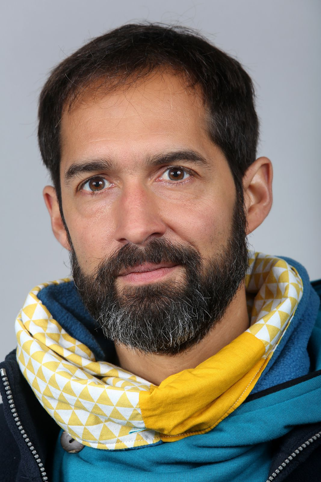 Portrait en jaune et bleu