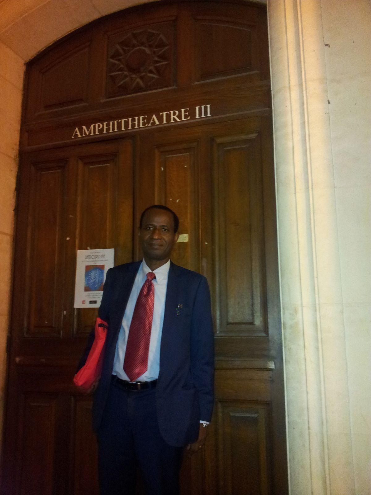 M Amadou Bal BA photos à la Sorbonne, et à Paris.