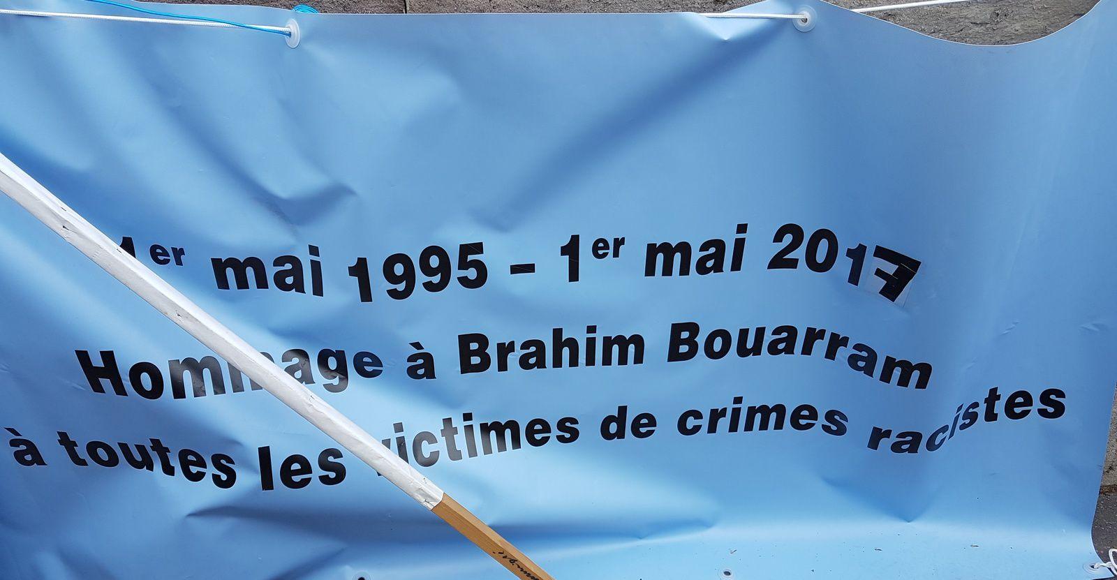 «Un 1er mai 2017 hautement symbolique : Les digues sont tombées ; il faut sonner le tocsin et défendre la République», par M. Amadou Bal BA - http://baamadou.over-blog.fr/