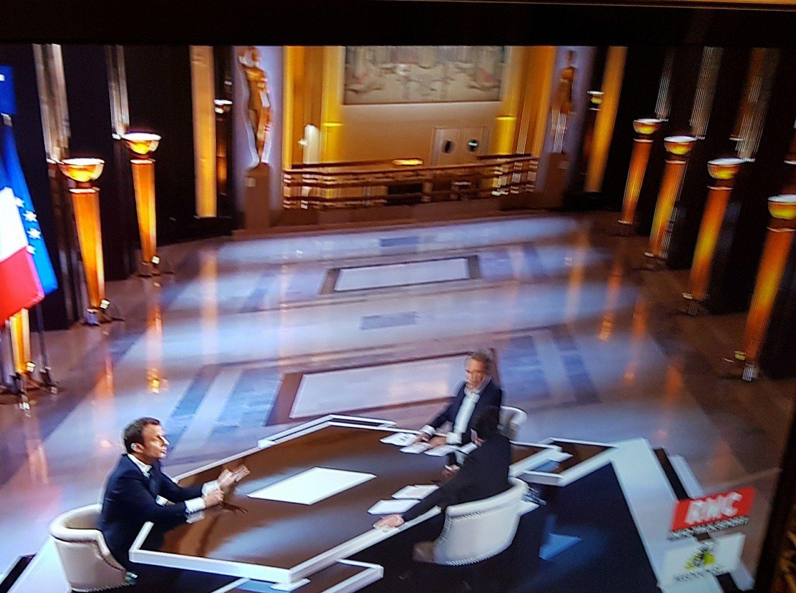 «M. Emmanuel MACRON, président des riches, loin de la foule et des réalités sociales», par M. Amadou Bal BA - http://baamadou.over-blog.fr/