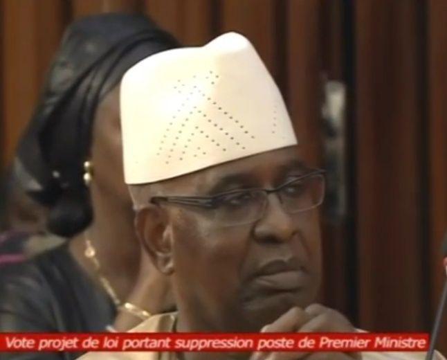 Suppression du poste de Premier Ministre au Sénégal, Macky SALL veut aller vite.