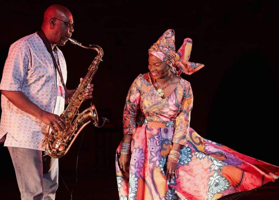 «Manu DIBANGO (133-2020), patron de la Soul Makossa et de la Music World» par Amadou Bal BA - http://baamadou.over-blog.fr/