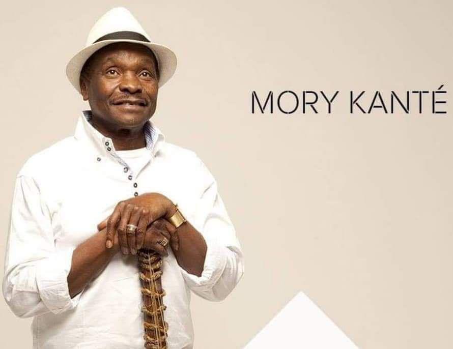 «Mory KANTE (1950-2020): un authentique griot africain sans-papiers et sa cora électrique» par Amadou Bal BA - http://baamadou.over-blog.fr/