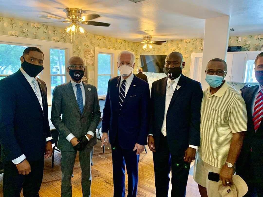 «Présidentielles du 3 novembre 2020 vers une sévère défaite de Donald TRUMP : Il faut que les Français sincères dénoncent le racisme, pour un bien-vivre ensemble Vote massif» par Amadou Bal BA - http://baamadou.over-blog.fr/