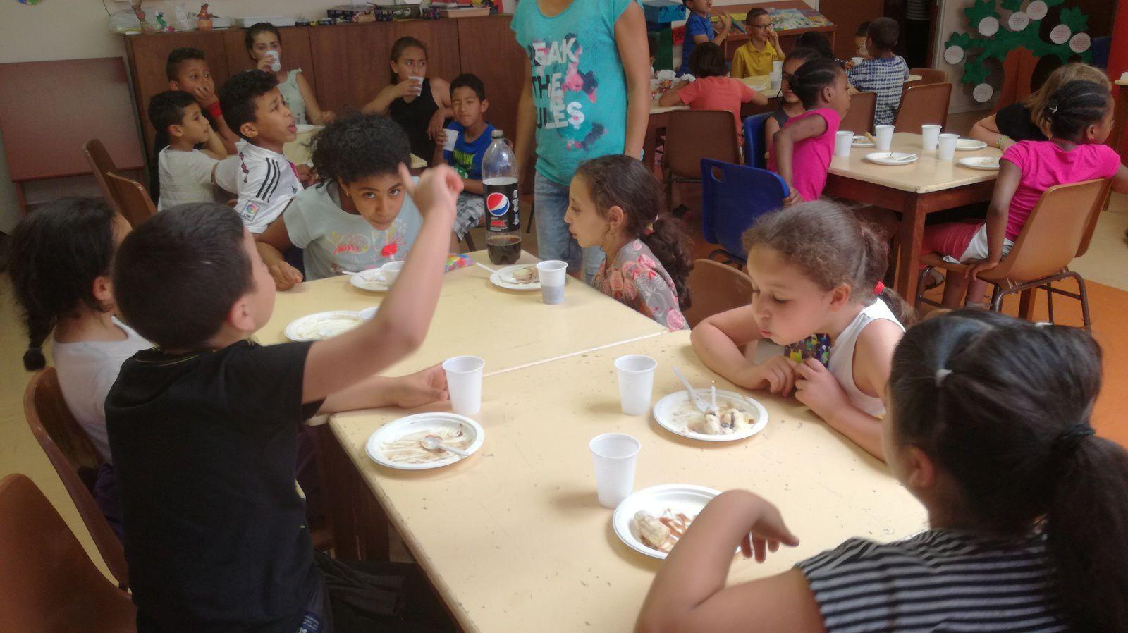 ME CRINS: Mercredi 17 mai: Fête des anniversaires et repas Pan bagnat