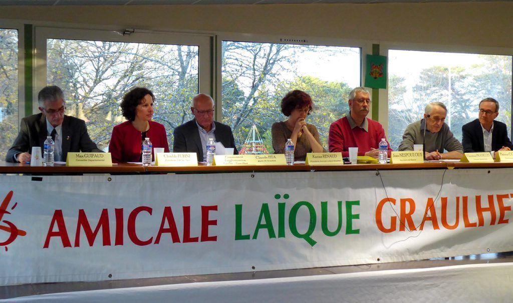 Élus et administrateurs en tribune partagent de nombreuses valeurs communes./ Photo DDM