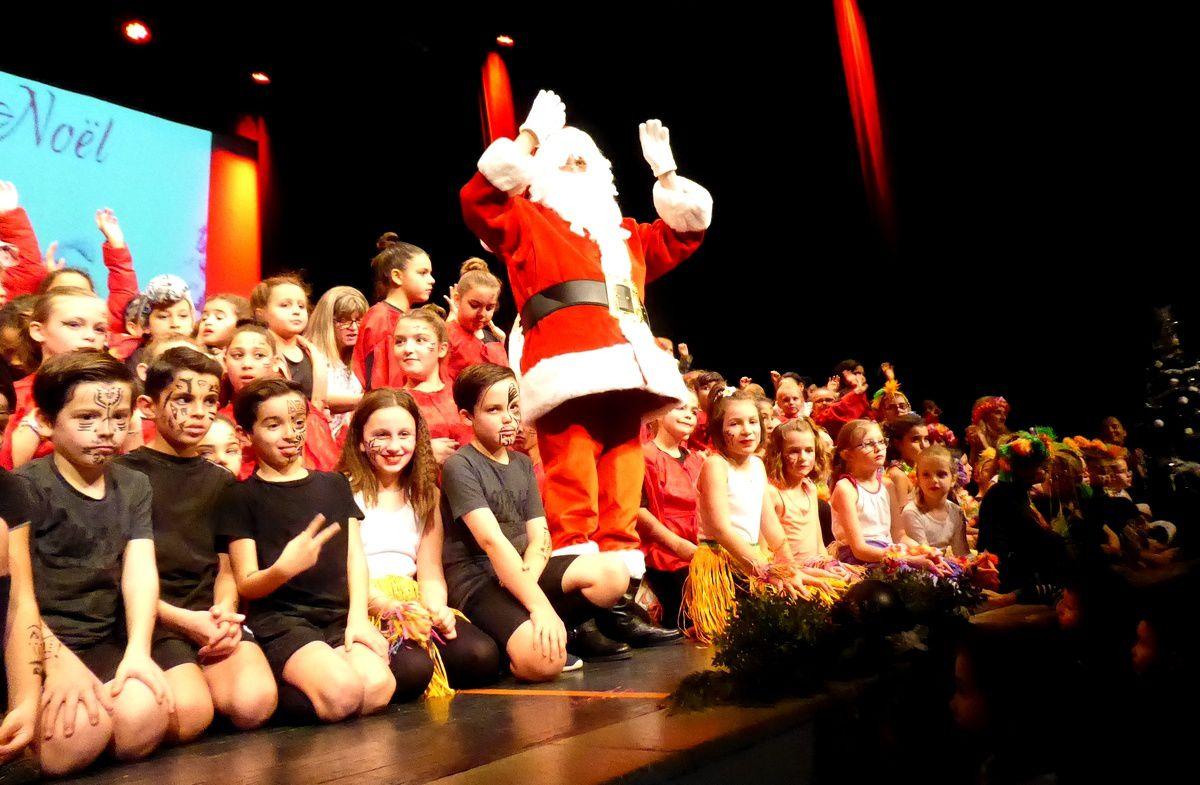 ME - Spectacle de Noël : Un somptueux Tour du Monde !
