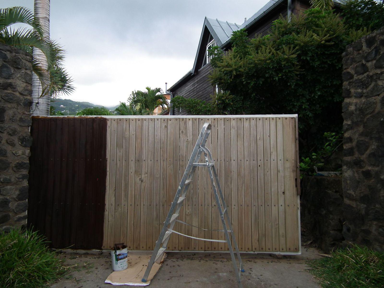 un beau portail pour le gardien de maison