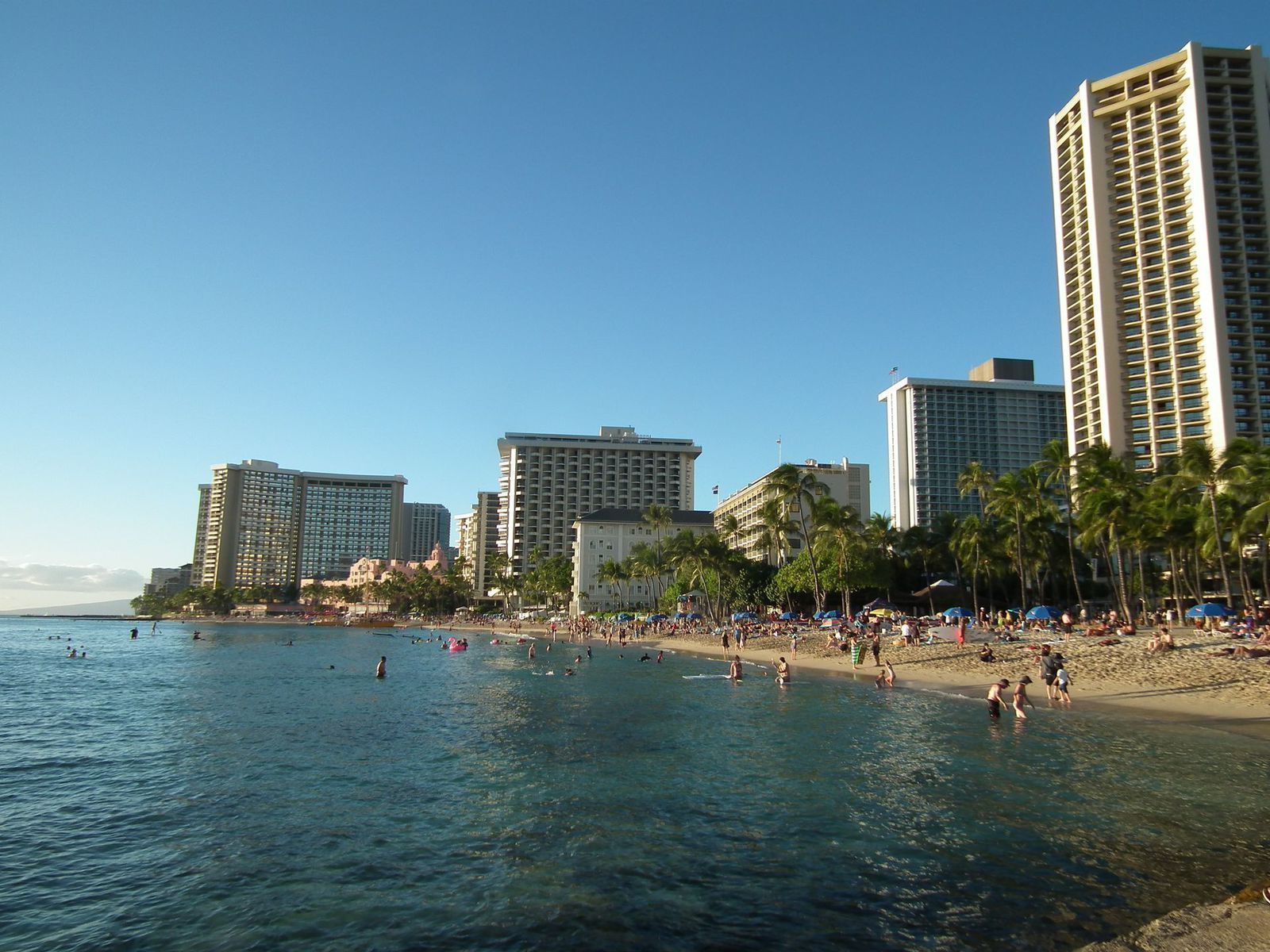 "Waikiki Beach et les ""cyclone addicts"""