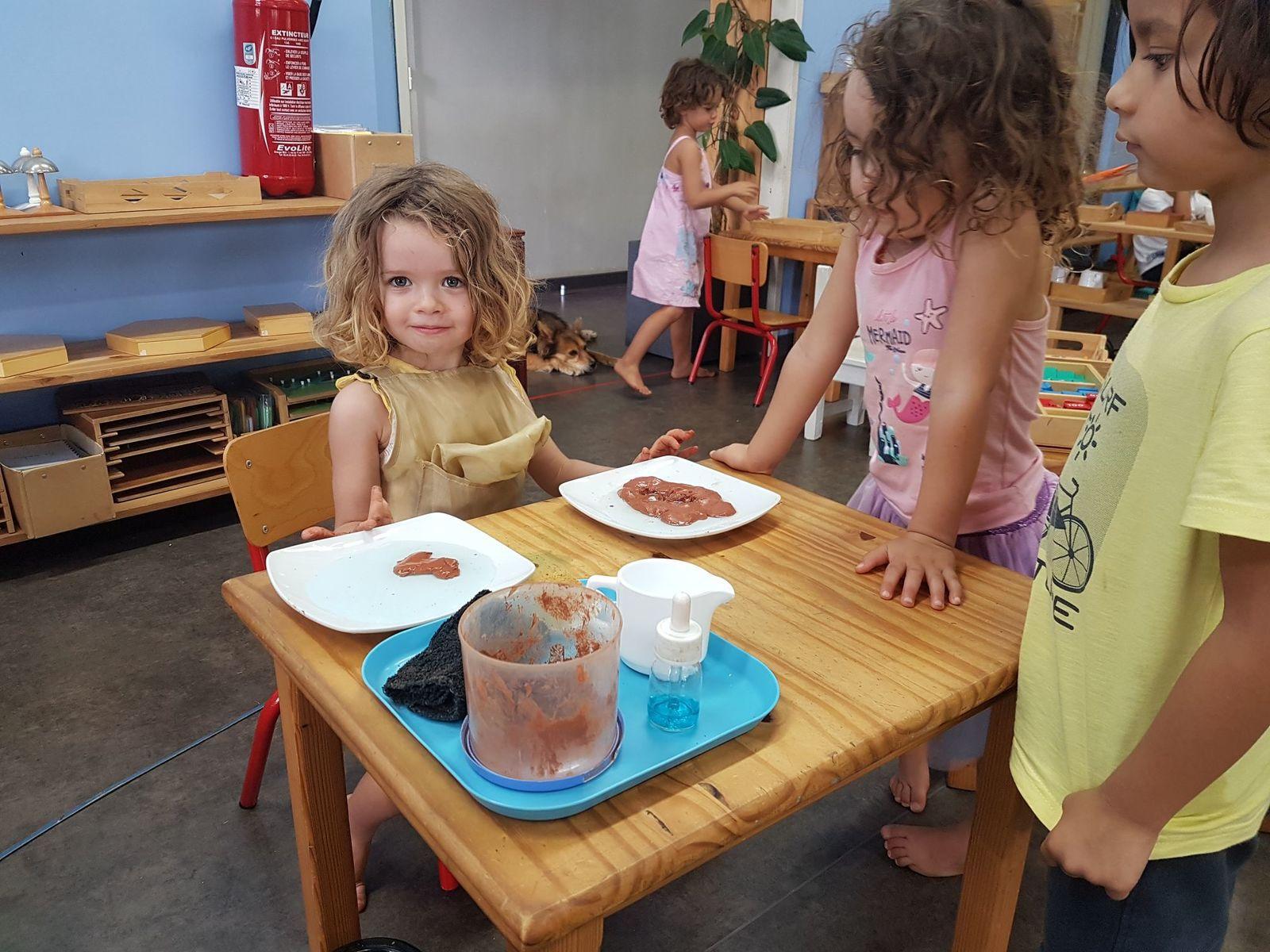 Le travail de Madonie à l'école Montessori pour sa 2ème année