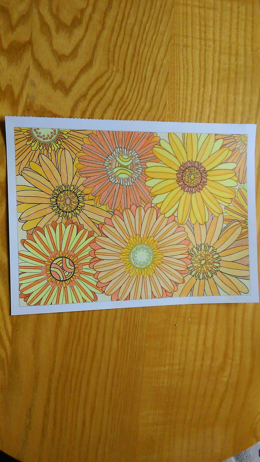 3ème coloriage : variation en jaune-orange