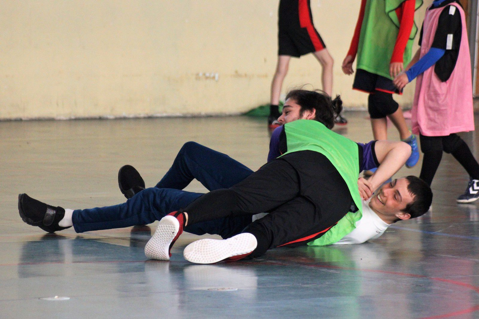 """Mini-Stage """"U11/U13"""" organisé par le SOR Handball et animé par Vincent, Anthony L et Maxence (Staff U11 du SOR HB)."""