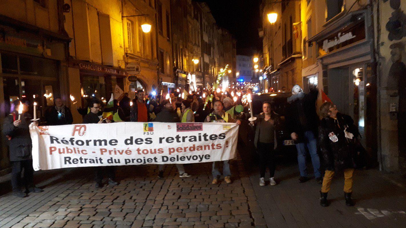 """Manifestations nocturnes""""aux flambeaux"""" réussies en Haute-Loire"""