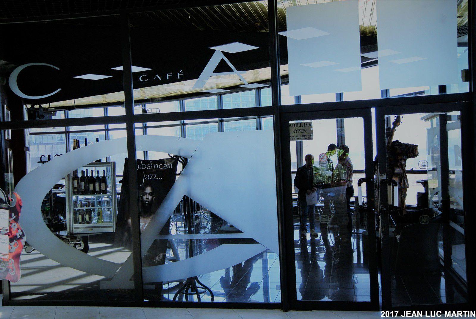 LE JAZZ CAFE A LA HAVANE