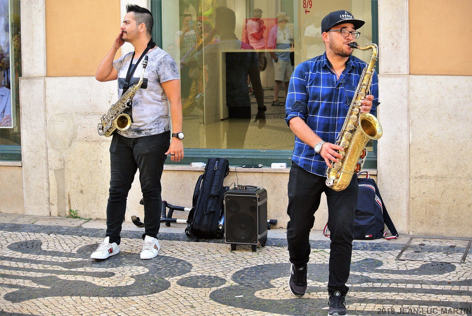 SAXOPHONISTES JAZZ IN THE STREET OF LISBONNE