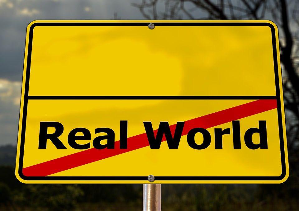 interdiction d'aller dans… le monde réel : accès barrés !