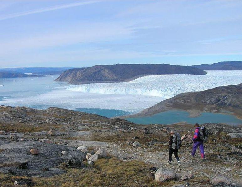 Encore ? Travaux pratiques ? « Classes de glace » : partir au Groenland pour étudier la fonte des glaciers. Ensuite ? Partir sur la Lune pour vérifier les cratères. Et ? …..sssxxhhjjllcreuuuûuuû…même pas censuré !