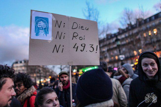 Crédit photo : O Phil des Contrastes  « L'heure est donc à l'exigence, par la base, d'un plan de bataille conséquent contre Macron, sa réforme, son monde. La colère et la détermination sont présentes, ce qui manque c'est bel et bien une stratégie et un programme qui permettent de lancer un « second round » sous le signe de la grève massive et reconductible. Un mode d'action plébiscité par la base, comme le démontre l'appel lancé par la coordination RATP / SNCF, la CGT Grandpuits et la CGT Energie Paris à une grande rencontre nationale pour la grève générale. »