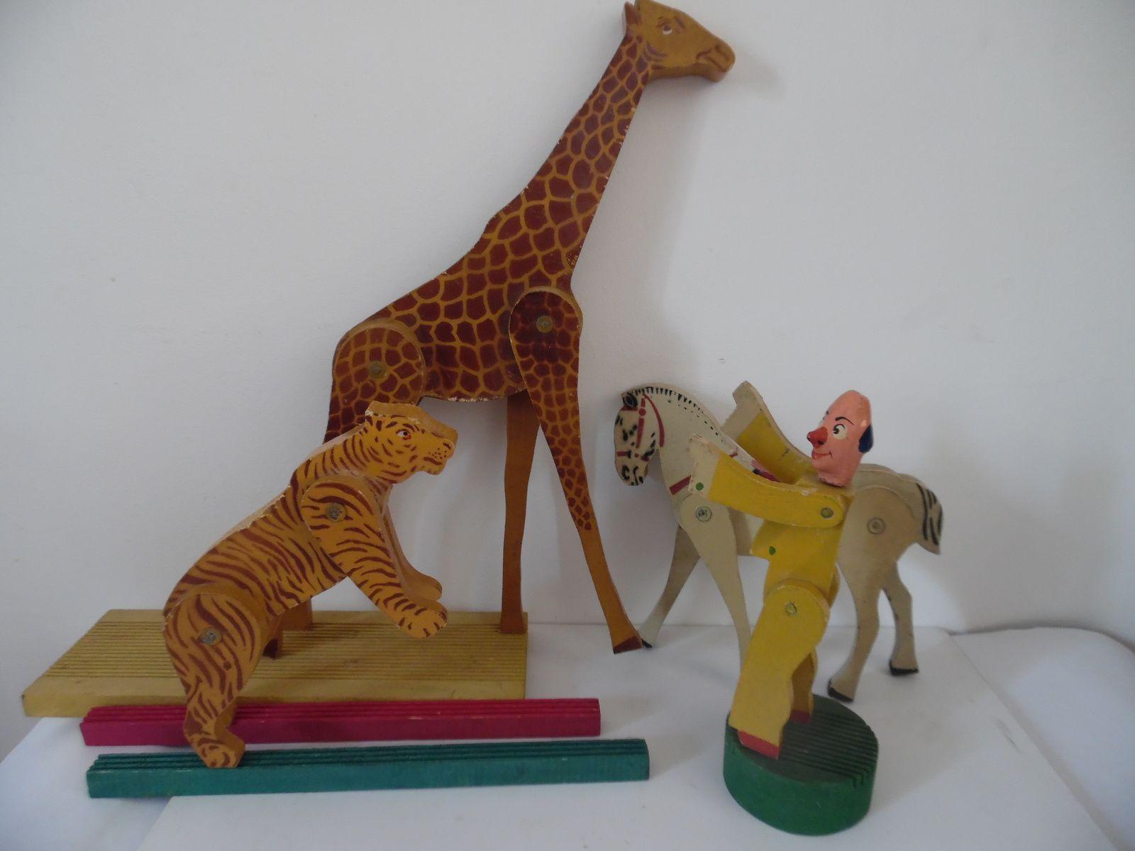 clown,cheval,girafe et tigre en bois articulés