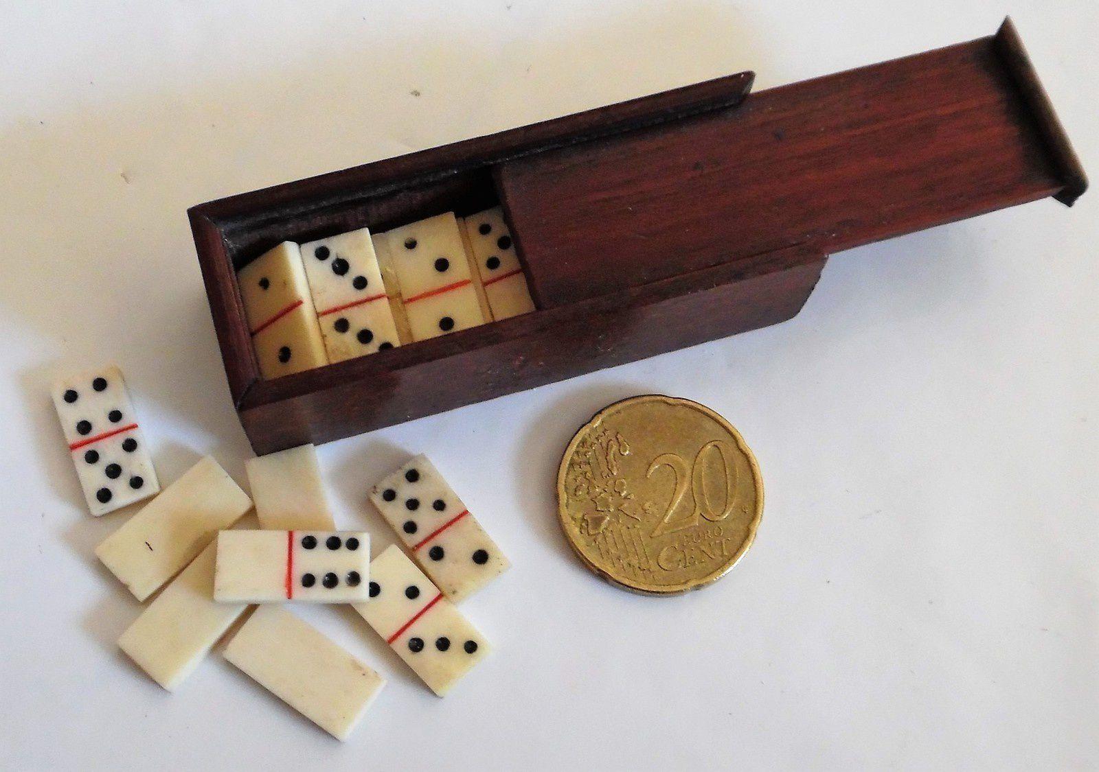 jeu de dominos miniature pour poupée