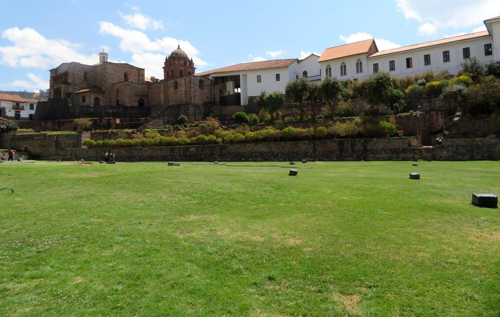 Cuzco et la montagne aux sept couleurs