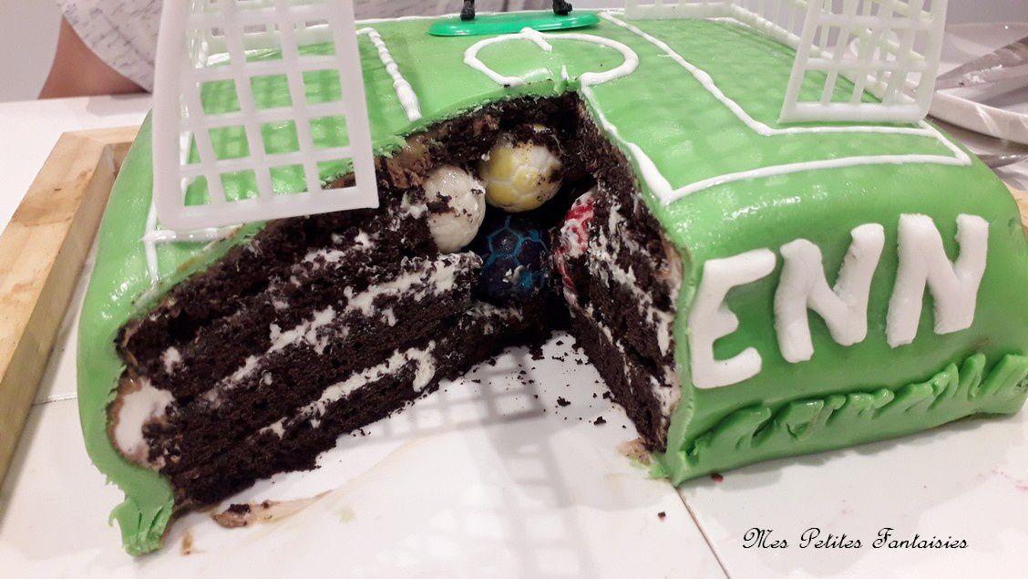 Gâteau terrain de foot pour l'anniversaire de ma Licorne !