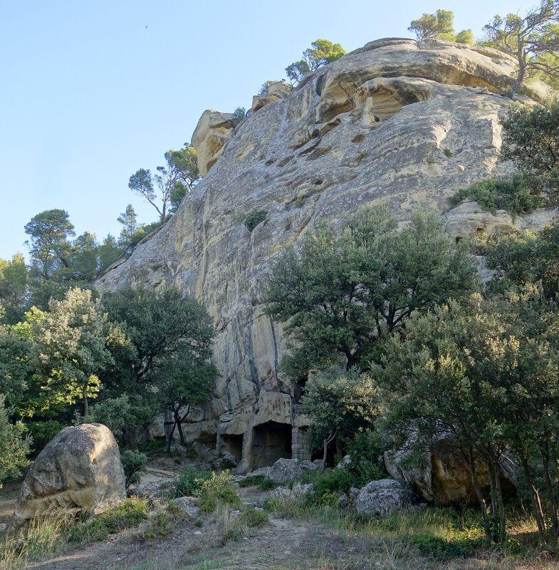 Le site de Calès à Lamanon