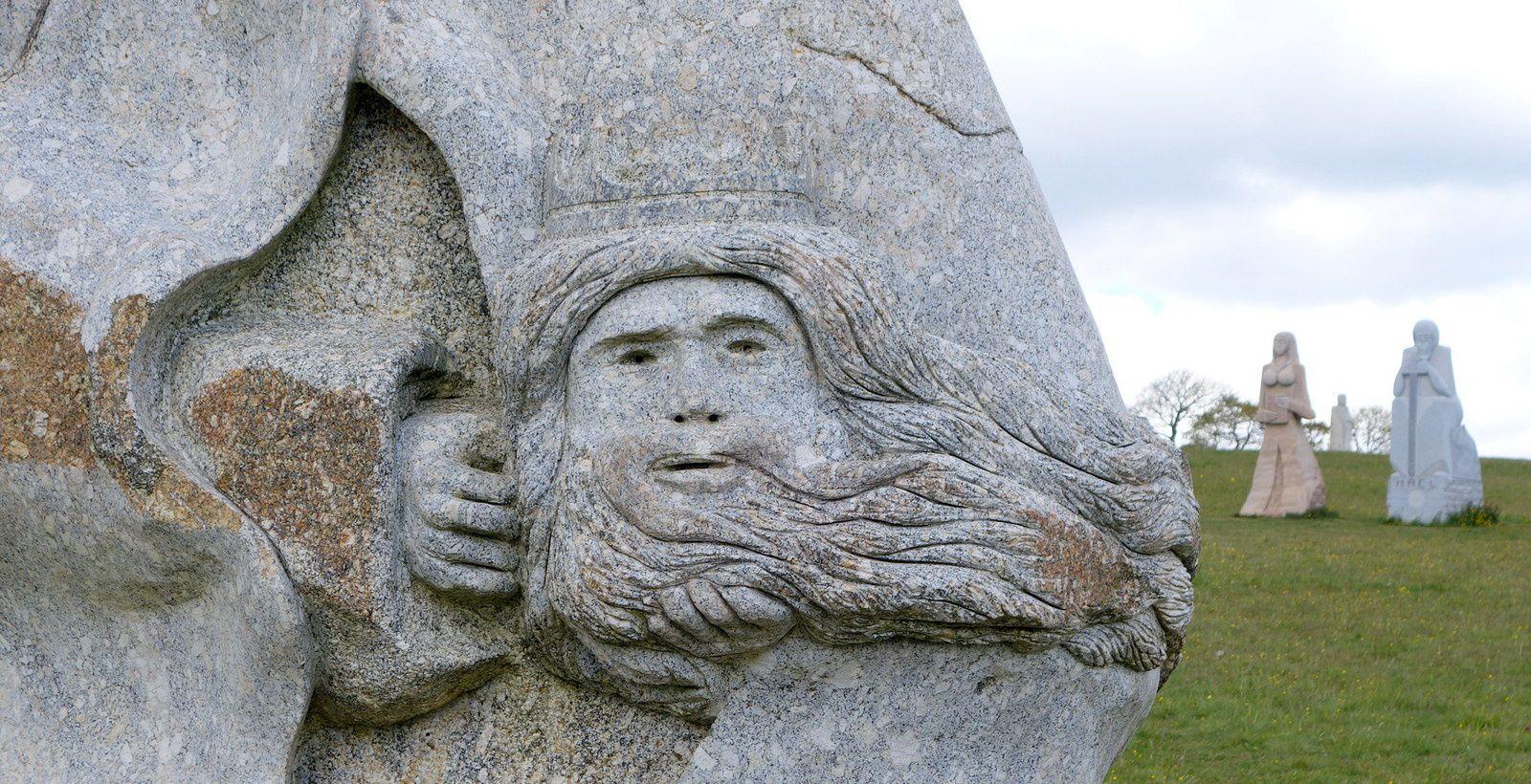 """à Carnoët, """"une île de Pâques du troisième millénaire"""""""