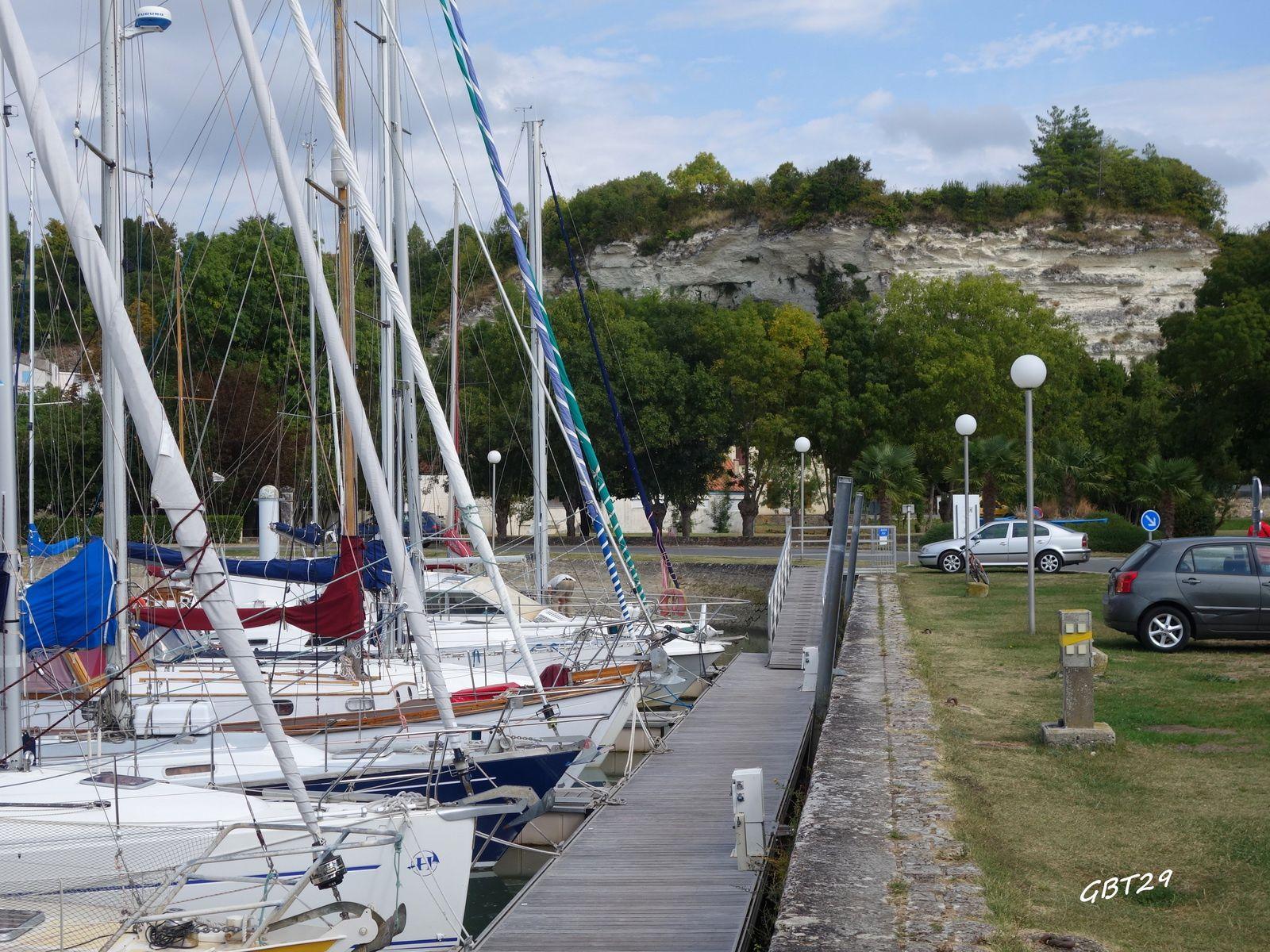 Deuxième étape cycliste sur la rive droite de la Gironde