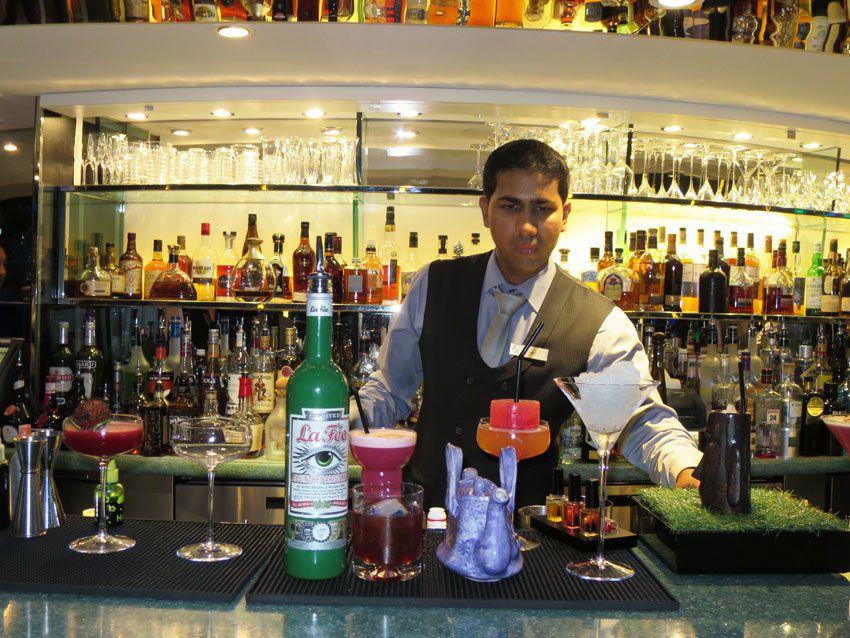 Bravo pour la réussite des cocktails. Ph. Delahaye.