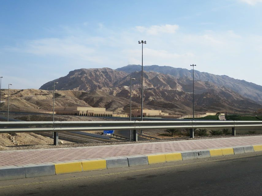 Montée de Jebel Hafeet. Ph. Delahaye.