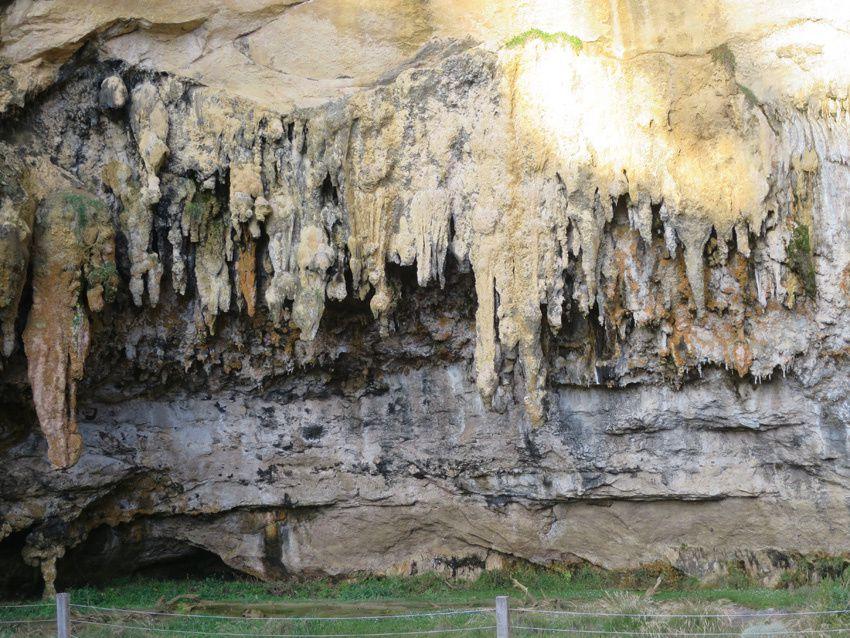 La Loch Ard Gorge et sa grotte située au fond de la plage. Ph. Delahaye.