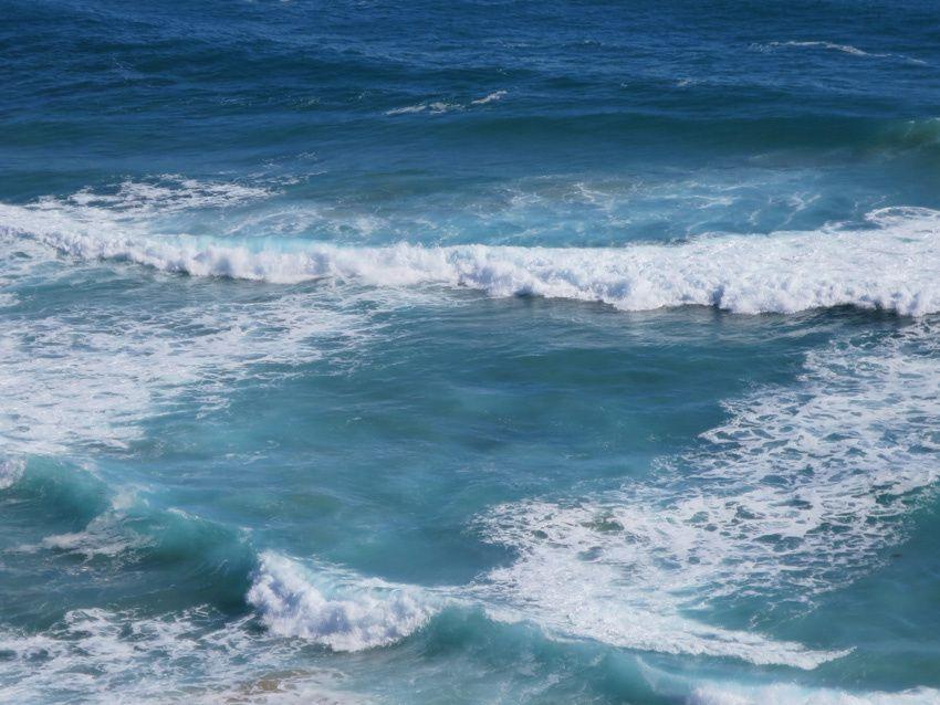 La plage d'Apollo Bay et ses vagues propices au surf. Ph. Delahaye.