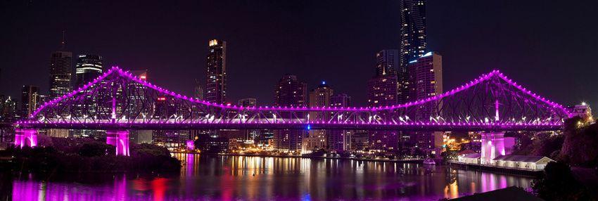 Le pont qui enjambe la rivière Brisbane. Ph. Delahaye.