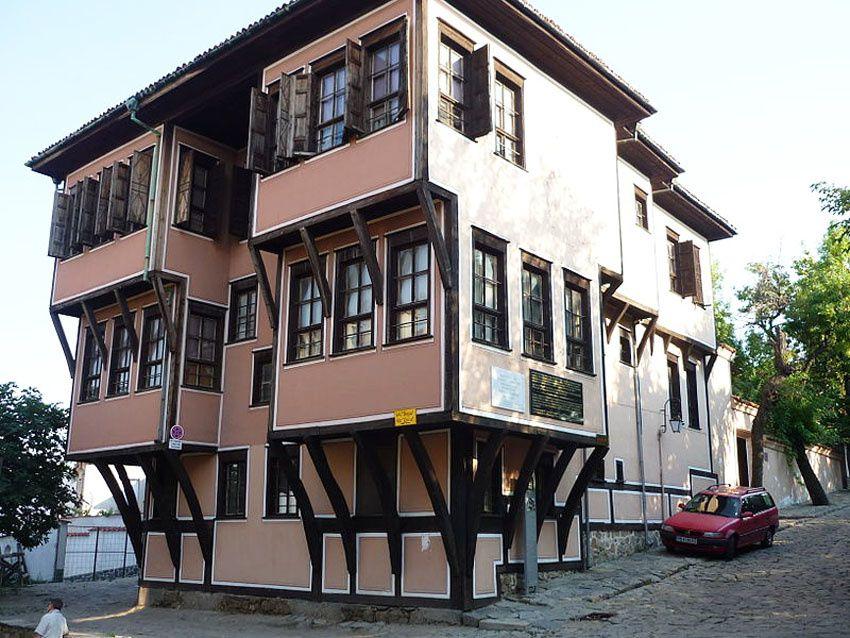 La maison de Lamartine où le poète a séjourné en 1833 lors de l'écriture de son Voyage en Orient. Un petit musée lui est consacré. Ph. Wikipedia.