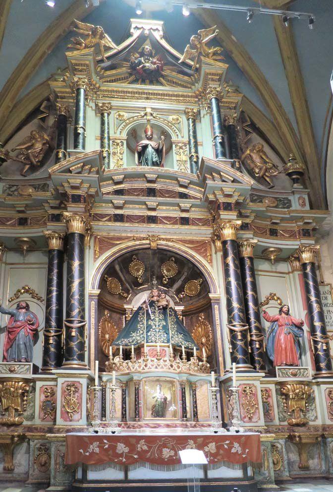 Chapelle de la Vierge du lac Titicaca. Ph. Delahaye.
