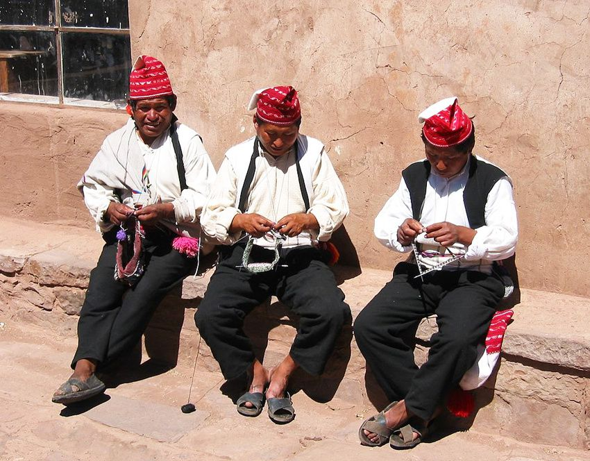 Les tricoteurs de Taquile. Ph. Wikipedia.