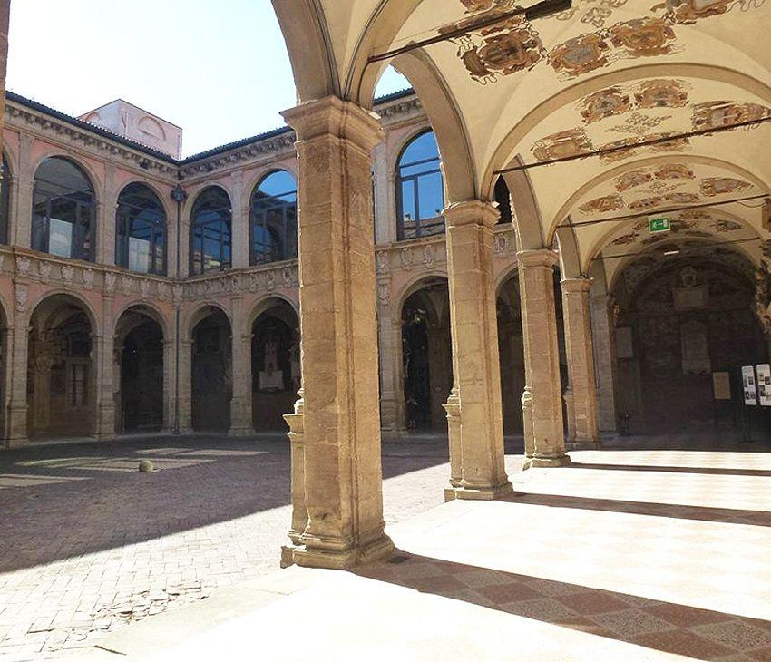 Le Palais de l'Archiginnasio, ancienne université. Ph. Delahaye.