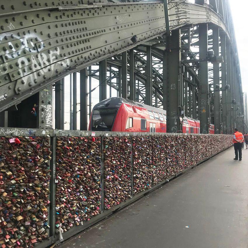 Les eaux de Cologne et la Fée Absinthe