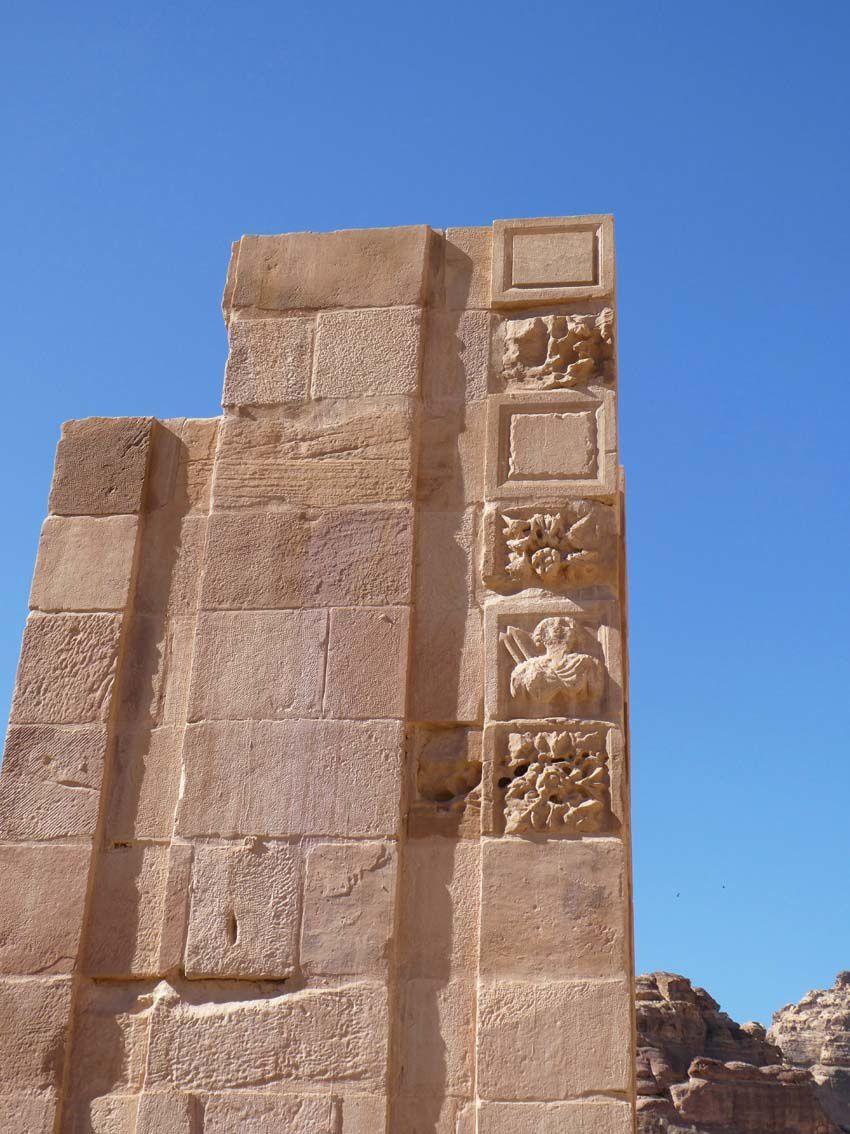 La Porte de Temenos. Ph. Delahaye.