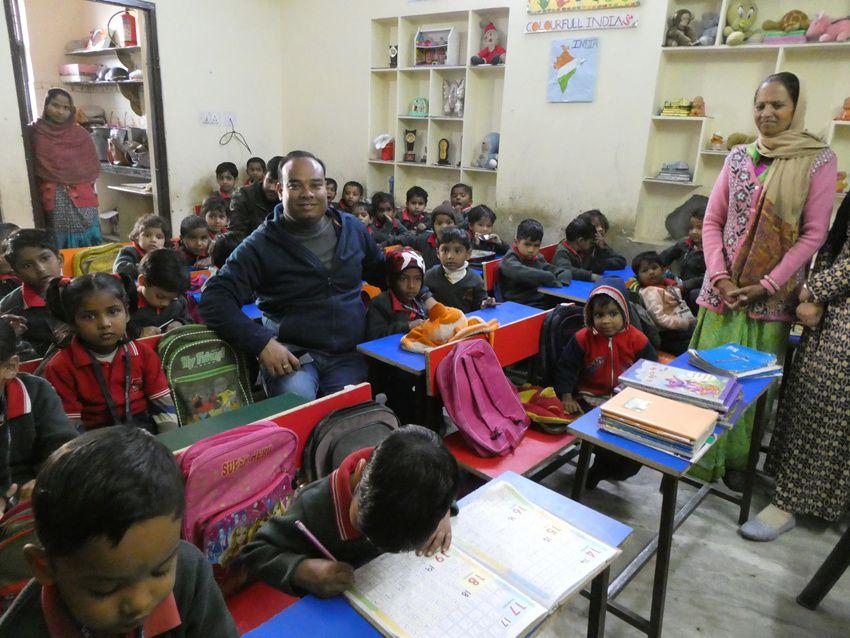 Sandeep au milieu de ses enfants comme il dit. Ph. Delahaye.